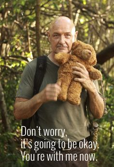 John Locke ~oh so cute (the teddy bear is too) Serie Lost, Netflix Movies, Movie Tv, Terry O Quinn, Man In Love, My Love, Lost Tv Show, John Locke, Sci Fi Series