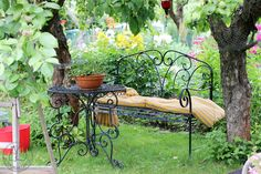 Oravankesäpesä: MÖKKI JA PALSTA HEINÄKUUSSA 2017. Outdoor Furniture, Outdoor Decor, Park, Home Decor, Gardens, Horse, Decoration Home, Room Decor, Parks