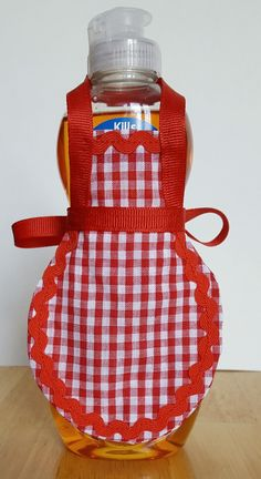 Red dish soap apron red gingham mini apron dish so Red Kitchen Decor, Country Kitchen, Kitchen Retro, Quilted Potholders, Towel Crafts, Decorative Towels, Sewing Aprons, Red Gingham, Etsy