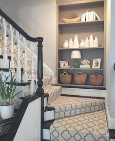 Elegant Painted Stair Runner for Amazing Home Interior - Onechitecture Stairway Decorating, Foyer Decorating, Decorating Ideas, Decor Ideas, Flur Design, Decor Scandinavian, First Home, Stairways, My Dream Home