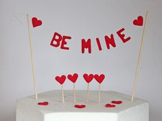 Be Mine Cupcake Muffin Topper und Tortendeko - Valentinstag Cupcake Muffin, Cupcakes, Ring Verlobung, Desserts, Muffins, Style, Joy Of Cooking, Valantine Day, Love