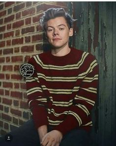 Why does he look like Ron from Harry Potter when he wears that sweater his mom gave him?