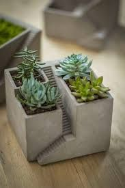 Houseplants for Better Sleep Cement House Architectural Planter Create Your Own Micro Landscape For Succulents, Wheat Grass And More - Or Fill With Sand And Stones For A Desktop Zen Garden. X Listing Is For Planter In First Photo Plants Not Beton Design, Concrete Design, Succulents Garden, Planting Flowers, Succulent Plants, Garden Planters, Succulent Ideas, Succulent Terrarium, Balcony Garden