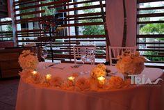 0045 #sweethearttable #triasflowers #weddings #events #flowers #elegant #miami www.triasevents.com