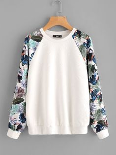 To find out about the Tropical Print Raglan Sleeve Textured Sweatshirt at SHEIN, part of our latest Sweatshirts ready to shop online today! Diy Clothes, Fashion Clothes, Fashion Outfits, Fashion Fashion, Fashion Ideas, Vintage Fashion, Sweat Shirt, Mode Outfits, Casual Outfits