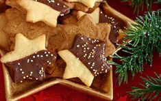 for with The most beautiful time of year! Christmas gifts, snow, love, Santa Claus, fragrant and the yummy Gingerbread Cookies, Christmas Cookies, Christmas Gifts, Low Fat Cookies, How To Make A Pom Pom, Holiday Baking, Cookie Decorating, Nutella, Biscuits