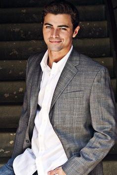 Matt Cohen as young John Winchester Matt Cohen, Gorgeous Men, Beautiful People, Hello Gorgeous, Young John, John Winchester, Misha Collins, Fine Men, Celebs