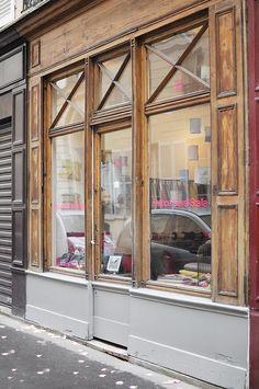 Shopping tissus, mercerie. 4 rue du regard - Paris 6