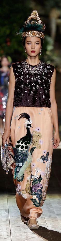 #Fashion            Dolce & Gabbana Alta Moda Fall 2015 couture