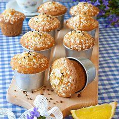 Baka enkla men urgoda muffins med smak av citron & kardemumma.