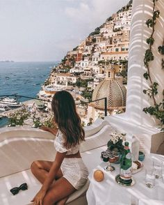 Planning a trip? Consider these travel gear basics tips to help you pack wisely and experience a safer, healthier and more comfortable trip. Places To Travel, Travel Destinations, Places To Go, Summer Aesthetic, Travel Aesthetic, Nature Aesthetic, Summer Vibes, Summer Beach, Travel Pictures