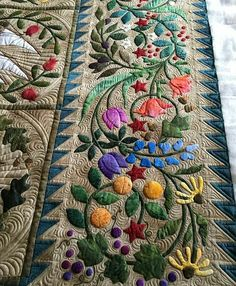 patchwork and applique Longarm Quilting, Free Motion Quilting, Machine Quilting, Applique Quilt Patterns, Hand Applique, Flower Quilts, Quilt Border, Quilt Stitching, Fabric Art