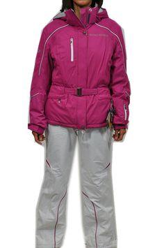 Completo sci da donna West Scout. Giacca fucsia con dettagli in bianco con cappuccio removibile. Pantaloni in bianco con dettagli in fucsia.