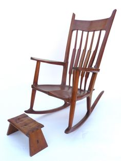 American Furniture Design - Woodworking Project Paper Plan to Build Nancy's Rocker and Footstool, Woodworking Table Plans, Woodworking Projects, Woodworking Books, Workbench Plans, Fine Woodworking, Rocking Chair Plans, Rocking Chairs, Woodturning Tools, Wood Projects For Beginners