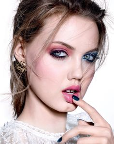 Lindsey Wixson models dual color eyeshadow look featuring pink and blue for Vogue Magazine Russia December 2016 issue