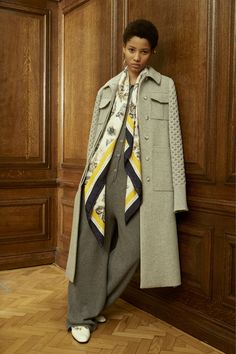 http://www.vogue.com/fashion-shows/pre-fall-2016/stella-mccartney/slideshow/collection