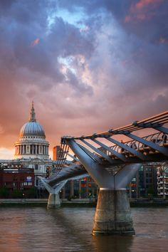 breathtakingdestinations:  St Pauls Cathedral - London -...