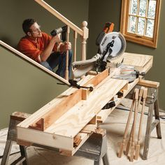 How to Build a Miter Saw Table. Miter saw stands are an essential, but expensive accessory for carpenters. Instead of buying one, save money and get a more versatile work table by building your own. Use these photos and free plan as a guide. Woodworking Jigs, Woodworking Projects, Welding Projects, Carpentry, Miter Saw Bench, Mitre Saw Station, Serra Circular, Mitre Saw Stand, Home Projects