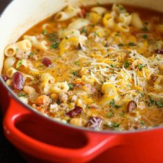 One Pot Chili Mac and Cheese - Two favorite comfort foods come together in this easy, *30 min* one-pot meal that the whole family will love! #QuickDinner #Recipe #Delicious