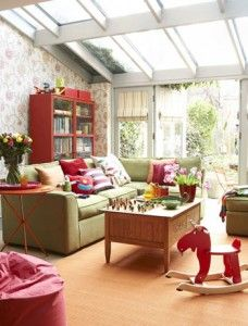 Bright family conservatory A bright sunroom is the perfect place for children to play by day and adults to relax in the evening. Conservatory Playroom, Conservatory Chairs, Home Office Design, House Design, Sunroom Decorating, Sunroom Ideas, Home Channel, New Living Room, Outdoor Furniture Sets