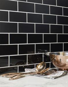 Create a stylish new look in your home this season with the introduction of Blackheath Tiles. Made from ceramic, these bevelled mini metro wall tiles have a brick shaped design with a subtle matt finish. Use them to create a kitchen splashback.