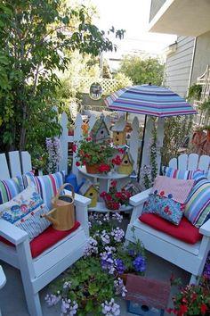 Cozy Corner in the Garden home flowers garden yard decorate patio birdhouses outdoor furniture Outdoor Rooms, Outdoor Gardens, Outdoor Living, Outdoor Furniture Sets, Outdoor Decor, White Furniture, Pallet Furniture, Furniture Ideas, Outside Living