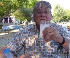 Zaytung - 'Rakı buzla içilmez', 'Yemekle içilmez', 'Açken içilmez' Derken En Sonunda 'Rakı içilmez' Noktasına Varan Gurmeye Nevizade'de Linç Girişimi…