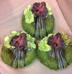 KEGYELET - Florens Virágüzletek Cemetery Decorations, Funeral Flowers, Flower Decorations, Origami, Christmas Wreaths, Projects To Try, Floral Wreath, November, Diy