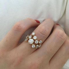 Benutzerdefinierte Cluster Diamantring / / Rotgold – Terri Douglas – Join in the world of pin Ring Rosegold, Rose Gold Diamond Ring, Rose Gold Jewelry, Diamond Cluster Ring, Diamond Engagement Rings, Diamond Jewelry, Jewelry Rings, Jewelery, Diamond Earrings