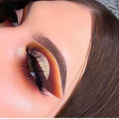fashion, make, and maquiagem image Beautiful Eye Makeup, Unique Makeup, Sexy Makeup, Kiss Makeup, Glam Makeup, Creative Makeup, Makeup Inspo, Makeup Art, Makeup Inspiration