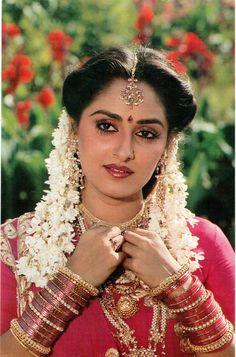 Actress Anushka, Hindi Actress, Indian Film Actress, Old Actress, Bollywood Actress, Indian Actresses, Beautiful Girl Image, Beautiful Gorgeous, Indian Celebrities