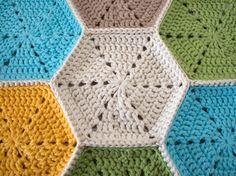 Crocheting a hexagon