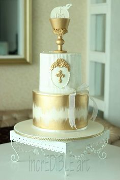 White First Communion Cakes