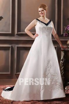 V-Ausschnitt Stickerei Schnürung Brautkleid mit Hof-Schleppe