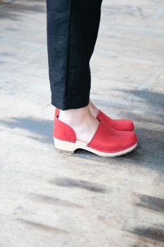 Our Brett Low Clogs are the perfect pop of color. Check them out! Shoes Flats Sandals, Low Heel Shoes, Clogs Shoes, Low Heels, Shoes Sneakers, Wooden Clogs, Shoes With Jeans, Leather Clogs, Womens High Heels