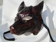 lupo colore cuoio.   Wolf mask