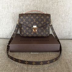 2016 Fashion #Louis #Vuitton #Handbags For Model Street Style, Let The Fashion Dream With LV Handbags At A Discount! For The Woman With Timeless Style, The Louis Vuitton Summer 2016 Collection, Press Picture Link Get It Immediately! Not Long Time For Cheapest.