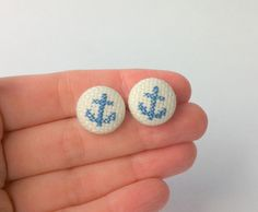 Anchor earrings  hand embroidery jewelry  fiber by Gluckhandmade, €10.00