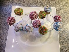 Fast cake pops without baking, a delicious recipe from the category Fast and easy. Ratings: Average: Ø Fast cake pops without baking, a delicious recipe from the category Fast and easy. Buckwheat Cake, Quick Cake, Recipe For Teens, Salty Cake, Keto, Love Eat, Savoury Cake, No Bake Desserts, Clean Eating Snacks