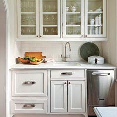 Creative Kitchen Cabinet Ideas: Classic Finishes