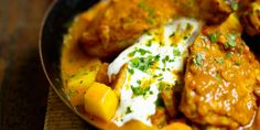 Chicken Recipes 86051 With the readers of Femme Actuelle, discover Internet cooking recipes: Chicken curry with Indian yogurt Shredded Chicken Recipes, Chicken Pasta Recipes, Healthy Chicken Recipes, Healthy Cooking, Meat Recipes, Healthy Dinner Recipes, Indian Food Recipes, Cooking Recipes, Cooking Curry