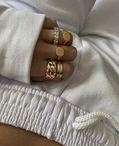 Real Gold Jewelry, Dainty Jewelry, Cute Jewelry, Indian Jewelry, Jewelry Rings, Jewelry Accessories, Fashion Accessories, Fashion Jewelry, Women Jewelry