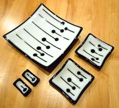 5 Piece Fused Glass Sushi Set, White & Black Dot Pattern on Etsy, Fused Glass Plates, Fused Glass Art, Glass Dishes, Glass Fusing Projects, Sushi Plate, Bee Creative, Sushi Set, Bullseye Glass, Kiln Formed Glass