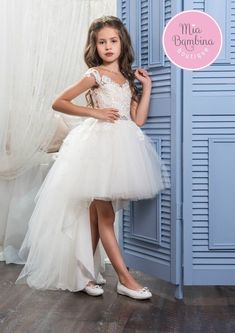The Hollywood flower girl dress is a stylish high-low dress for her next special event. The high-low tulle tutu skirt provides a short party look to the front and a long formal look to the back, makin #manualidadesinfantiles
