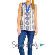 Blusa de medallones azules $480.00