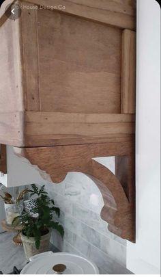 Wood Hood Vent, Kitchen Vent Hood, Stove Vent Hood, Oven Hood, Stove Hoods, Gas Stove, Diy Kitchen, Kitchen Design, Kitchen Decor