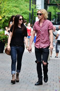 lily collins and jamie campbell bower the mortal instruments on set photos | Mortal Instruments' Co-Stars Jamie Campbell Bower, Lily Collins ...
