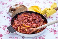 Σπετζοφάι: ο καλύτερος μεζές για τη μπύρα Cravings, Beef, Recipes, Food, Youtube, Information Technology, Meal, Food Recipes, Essen