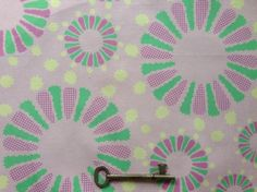 オリジナルテキスタイル【花火 ピンク】です。綿100%平織り生地にデジタル捺染でプリントしています。サイズ/24×50㎝★こちらの柄をもっと多くお...|ハンドメイド、手作り、手仕事品の通販・販売・購入ならCreema。
