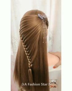 20 Cute Layered Hairstyles and Cuts for Long Hair in 2019 - Haarschnitt Mittellang Hairdo For Long Hair, Bun Hairstyles For Long Hair, Long Hair Video, Long Hair Cuts, Cute Hairstyles, Braided Hairstyles, Wedding Hairstyles, Layered Hairstyles, Celebrity Hairstyles